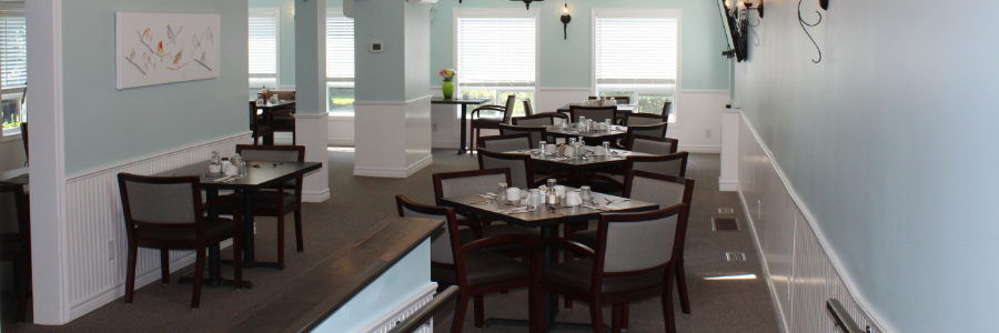 dining hall at Riverview Seniors Residence